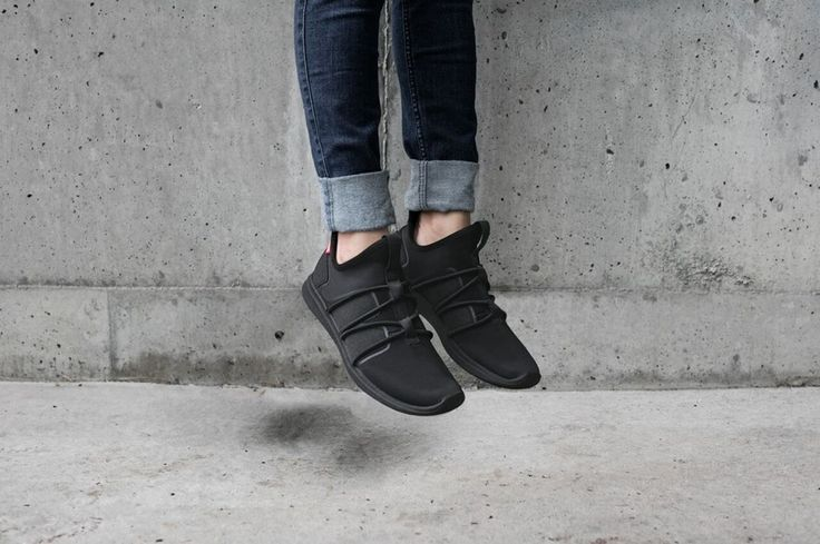The black Rbutus shoes from SKYE Footwear will match with anything from your wardrobe.