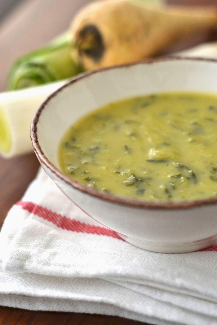 Simple comme une soupe de poireaux, panais et épinards frais