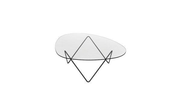 Pedrera soffbord i svartlackad stål med bordsskiva i klart glas. Pedrera soffbord av Barba Corsini för Gubi är ett stilrent soffbord med ett modern uttryck. Bordet består av ett underrede i svartlackat eller mässingspläterat stål med en äggformad glasskiva ovanpå.