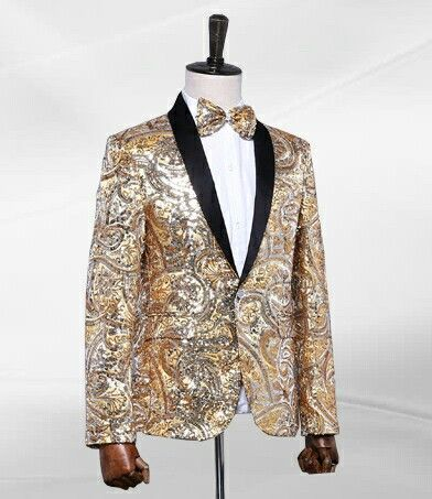 A really cool, chic, and high end design always starts with A gold dazzling ensemble of some sorts! Wearbthis liuxuryvgold blazer with charm and class. Smartly pair it with blue denim jeans and white tennis shoes for A casual look or black slacks and patent leather loafers for A more professional and extraordinarilyvwell kept look. Via Pilaeo.com #fashion #MENSWEAR #Pilaeo #luxuryblazer