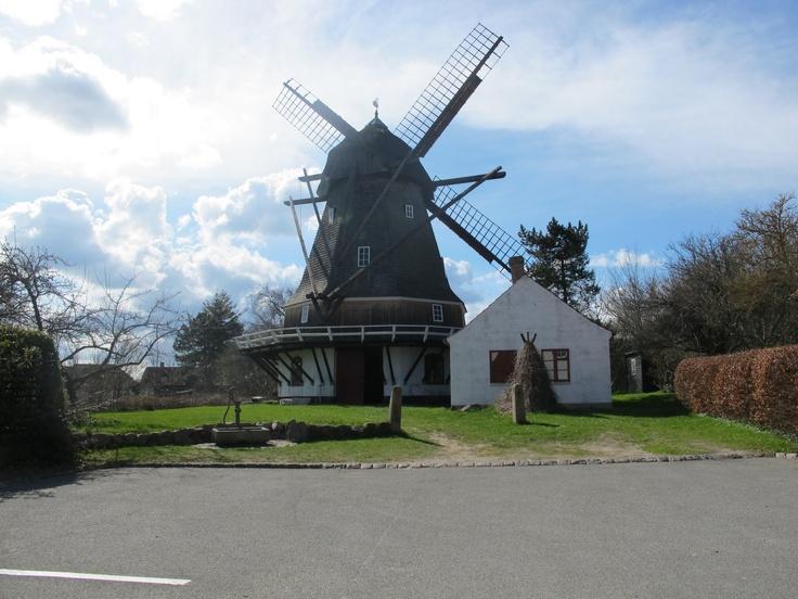 #visitfyn #svanemøllen i Kerteminde ved Johannes Larsens museum The old Swan Mill by the museum of the famous painter Johannes Larsen, Kerteminde, Denmark