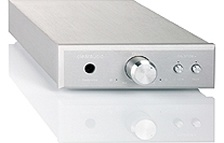 The Balance Plus is an extremely quiet, high resolution phono stage capable of handling both MM and MC cartridges. It can be run in fully balanced mode using the XLR input and output, or in true single-ended mode using the RCA input and output (both not a mixture of the two modes). Clearaudio's Accu Plus battery power supply may be added at any time, allowing the Balance Plus to run on pure DC power for even greater performance.