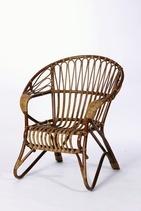 Tuote: Lumikenkä -tuoli pähkinä Tuotenumero: A/109 Mitat: K.84 L.76 Ist.K.42 Ist.S.67 Parolan rottinki