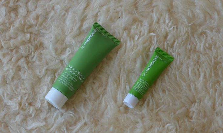 Find Your Balance Oil Control Cleanser and Counter Balance Oil Control Hydrator from Ole Henriksen from the August 2017 Goodiebox