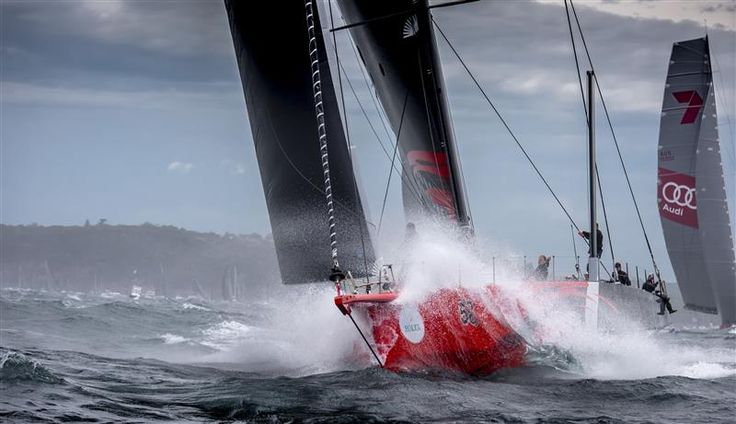 COMANCHE (USA) LEADING THE CHARGE OFF SYDNEY HARBOUR Photo: Rolex / Kurt Arrigo