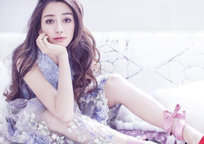 アジア一の美人として活躍しているアンジェラベイビー。そのあまりの美しさに整形を疑う声が後を絶ちません。また、アンジェラベイビーが整形する前と思われる写真も出てきているほど。そこで、アンジェラベイビーの整形疑惑について徹底的に検証したいと思います!