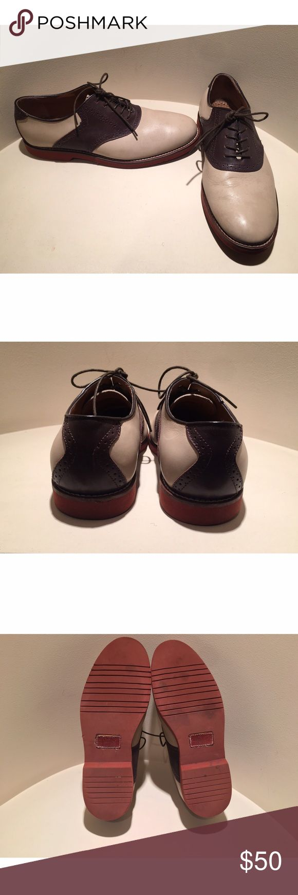 Mens Wingtip Shoes •tan and brown wingtip shoes •gently used condition •no damage Shoes Oxfords & Derbys