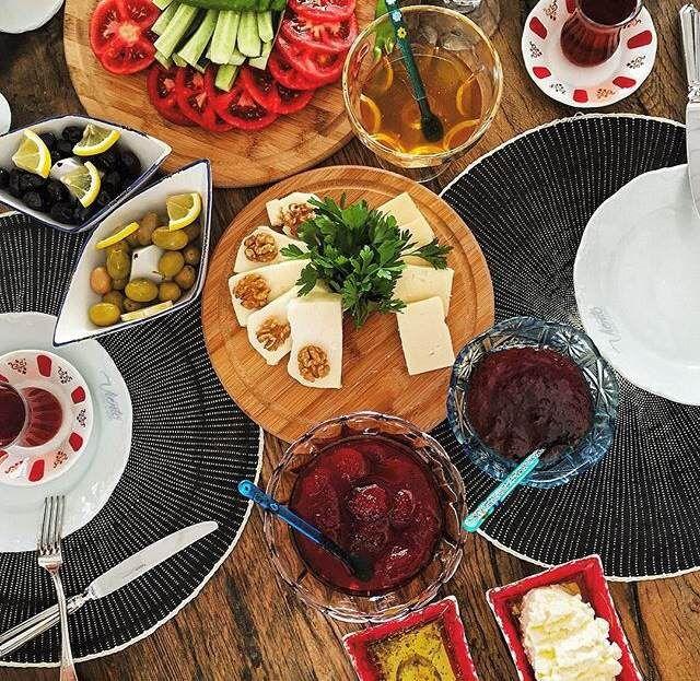 Large Turkish breakfast from our trip to Alacati, Turkey via www.grandbazaarshopping.com
