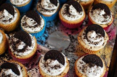 Oreo Cupcakes – Third time is a charm!   Beantown Baker