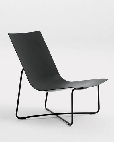 LC03 in black . minimal design | chair . Stuhl . chaise | Design: Maarten van Severen |