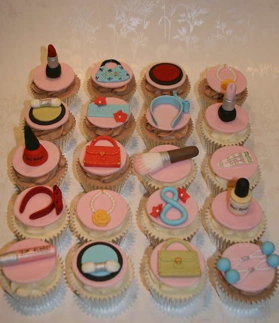 Girlie Cupcakes by The Clever Little Cupcake Company (Amanda), via Flickr