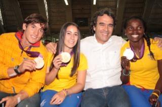 Orgullo Colombiano-Antioqueño, el talento nos sobra, necesitamos las oportunidades. http://yfrog.com/oeckvljj