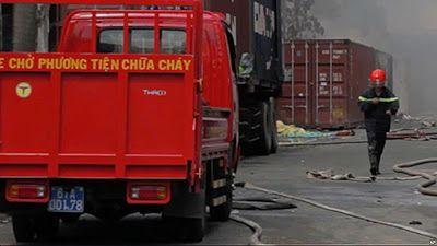 Báo tin tức thời sự tình hình Đất Nước Việt Nam: Cháy quán karaoke ở Hà Nội, 13 người chết