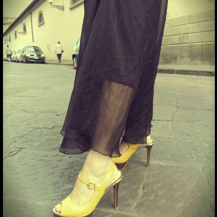 ARCIMBOLDA ~  CLICK FOR DETAIL  Yellow Brick Road  #Italy #italia #firenze #firenzecentro #wizardofoz #streetfashion #photoshoot #fashionista #style #arcimboldastyle #blogger #lifestyle #shoutouts #shoes #yellow #blackdress #fashionitaly #wilde #summertime
