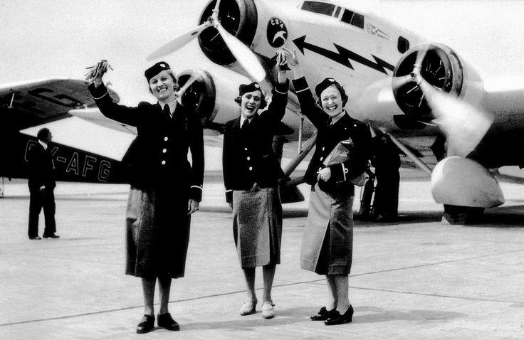 Od roku 1937 nasazovaly naše státní aerolinie na palubách vybraných typů letadel první letušky, což byl výrazný skok vpřed v péči o cestující.