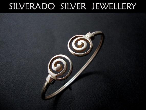 Sterling Silver 925 Greek Spiral Infinity by SilveradoJewellery, €39.00