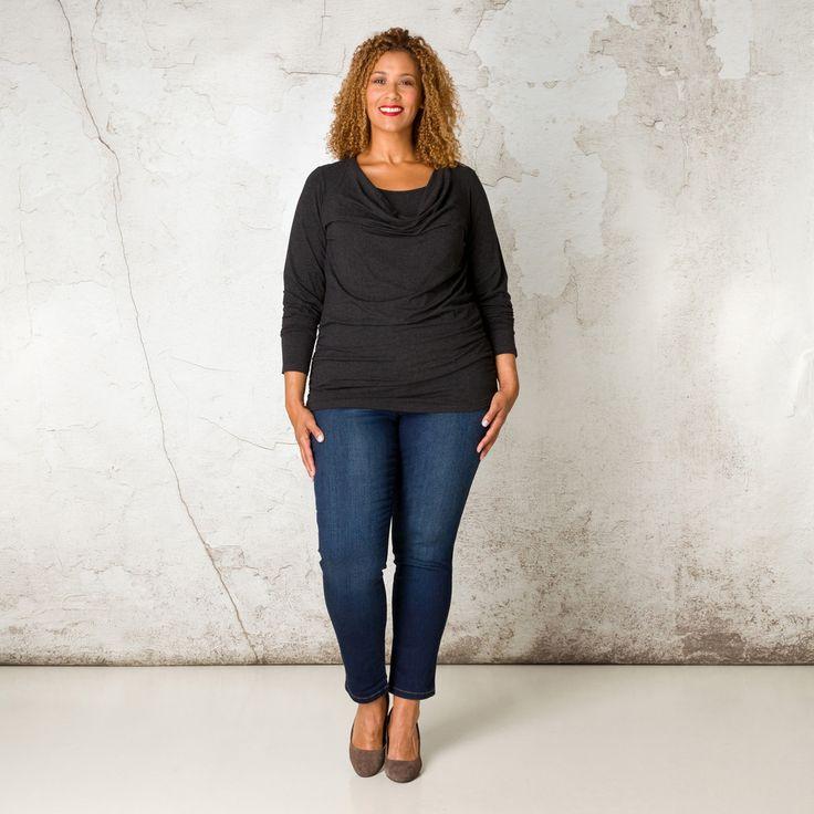 Dit shirt heeft prachtige details. De watervalhals en de rimpeling op de heup geven uw uitstraling een mooie vorm en verhullen wat u niet wilt laten z... Bekijk op http://www.grotematenwebshop.nl/product/shirt-van-x-two-voor-vrouwen-met-grote-maten-14/