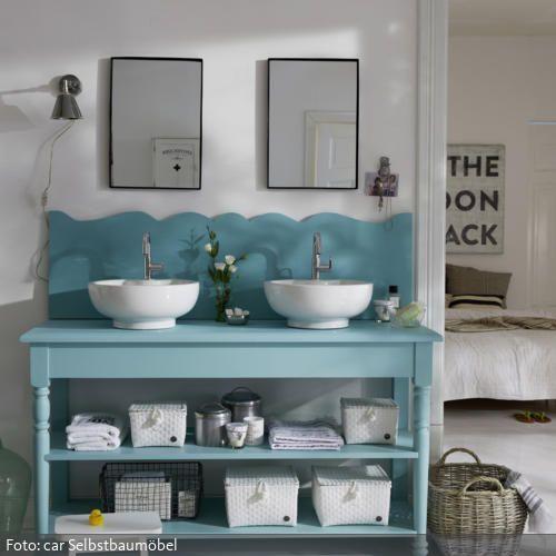 Ein Platz für Zwei: Der romantische Waschtisch in Mint bringt frische Farbe mit…