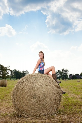 Country Girl shoot gonna get senior pics done like this.