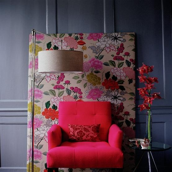 Floral Background: So easy, and easy to change. (via poppytalk)