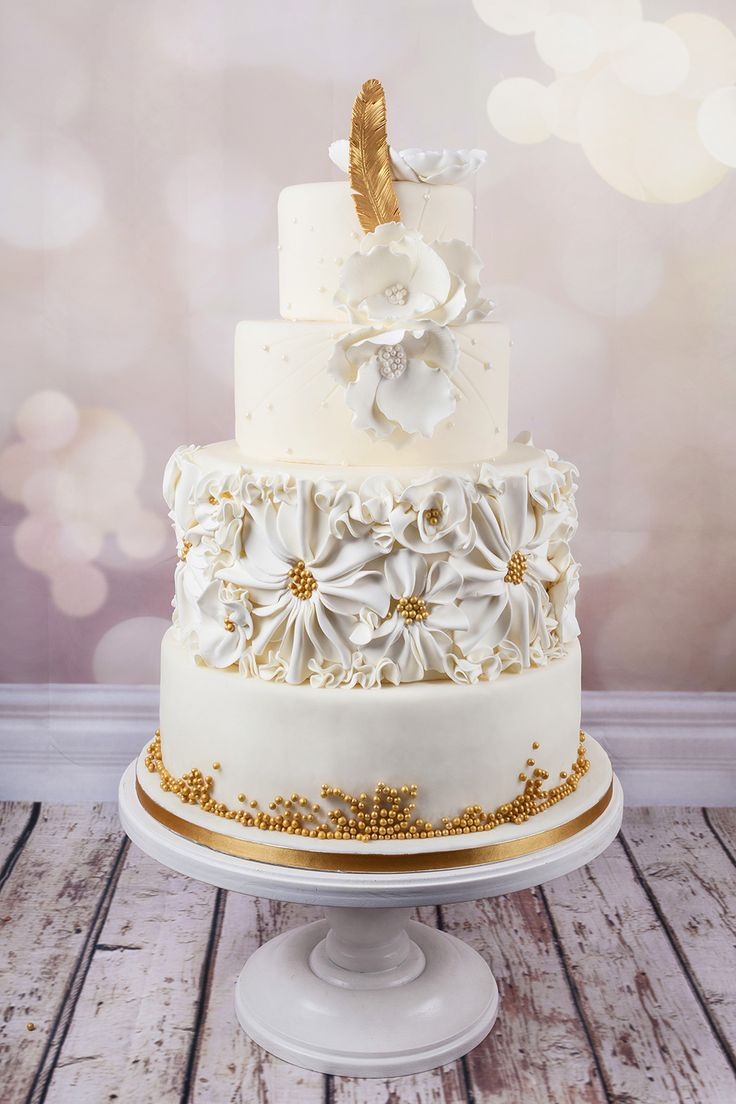 Haute Couture Wedding Cakes With Unique Design Created By A Team Of Top Master Confectioners Finished Using Traditional Craft Techniques