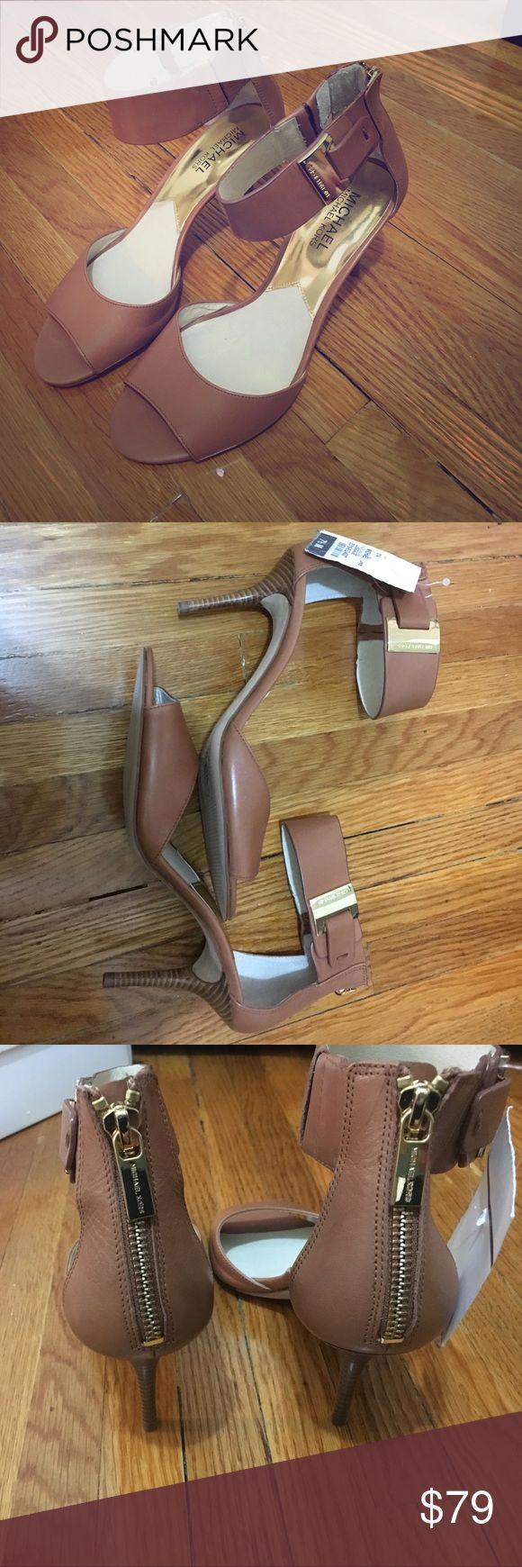 NWT Michael Kors ankle wrap peep toe heels I can't wear heels but I wish I could! These Michael Kors tan brown shoes with gold hardware are so cute to wear with jeans or to dress up! They are brand new with tags!! Michael Kors Shoes Heels