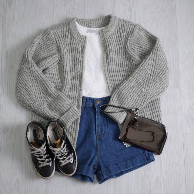 Official Korean Fashion Blog. frumpy homely fashion. clunk fashion. cardigan hws kicks