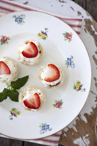 Paula Deen Strawberry Tiramisu Bites