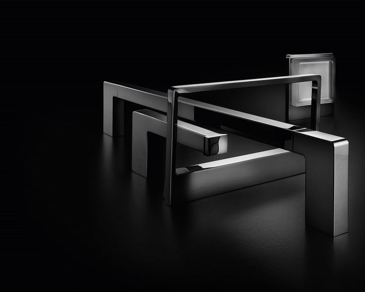 """One of the """"must"""" accessory lines from Inda gets renewed: New Europe is a redesigning of our forms and our philosophy. Rigorous geometries, generous volumes, richness of details and attention to construction quality are the main features of a bath accessory line that offers multiple matching possibilities. Thanks to an innovative system of """"snap"""" fixing, the wall mounting is extremely simplified.<br /><br/>"""