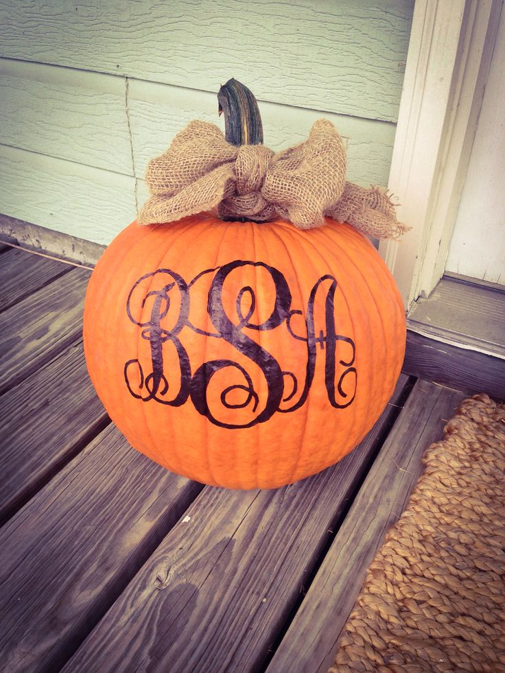 Monogrammed pumpkin with burlap bow! Do cute and easy to DIY!!