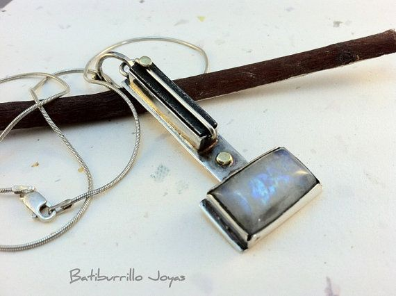 Pendant made by hand in silver iron and by BatiburrilloJoyas, €130.00