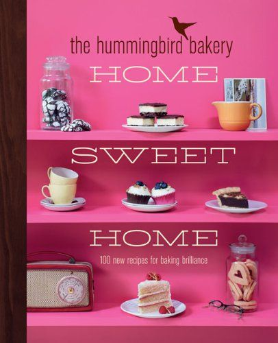 The Hummingbird Bakery Home Sweet Home: new recipes for baking brilliance 100 - HardCover. Pub Date :2013-02-14 Pages: 304 Language: English Publisher: HarperCollins UK Britains million-copy bestselling. hugely popular bakery is back with over 100 new tried-and-triple-tested recipes that celebrate home baking. This stunning new cookbook. including step-by-step photos and every foolproof recipe with its own image. offers some of the bakers all-time favourite home baking recipe
