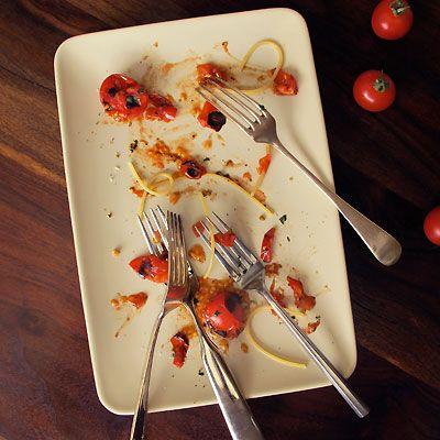 i like things allready eaten or half eaten.. :): Charli Cherries, Alpeppo Peppers, Cherry Tomatoes, Default Pasta, Cherries Tomatoes