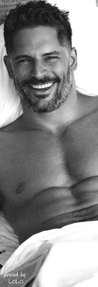 Joe Manganiello - Damn he looks even hotter now that he's starting to go grey!
