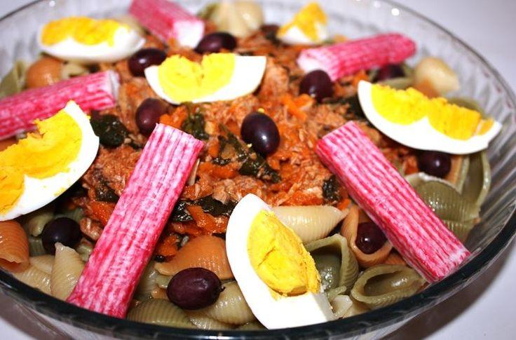 Salada de Massa Com Atum - http://www.receitasparatodososgostos.net/2016/06/19/salada-de-massa-com-atum/