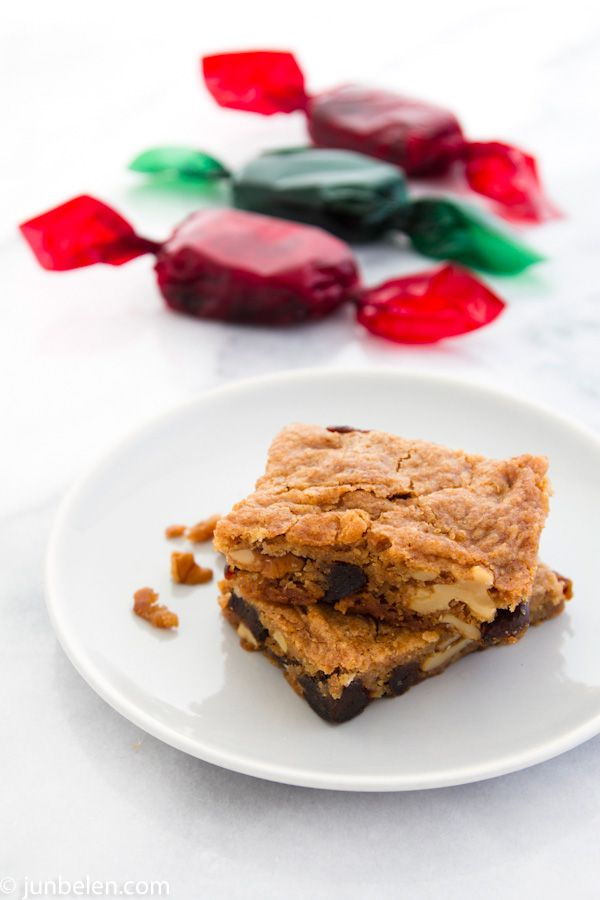 How to Make Food for the Gods (Christmas Date and Walnut Bars)    Buttery Christmas confections lavishly peppered with dates and walnuts. The texture is a cross between a crumbly cookie and a moist brownie. They are chewy with the crunch of chopped walnuts and the dates lend a rich caramel flavor with hints of honey.