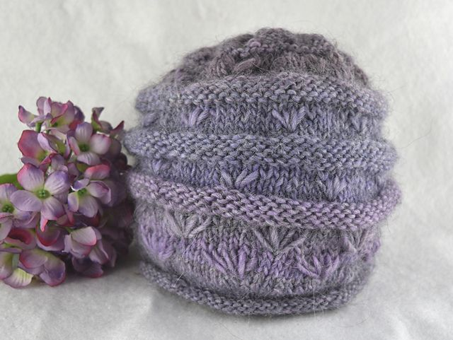 Ravelry: The Woolly Daisy Hat pattern by kyah bronte
