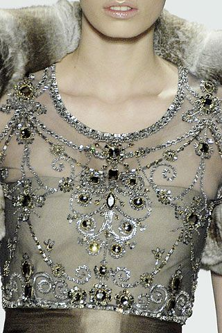 aclockworkpink:    Oscar de la Renta F/W 2007, New York Fashion Week