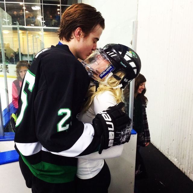 Vsco Couplesvsco Hockey Girlfriend Cute Relationship Goals Hockey Goals