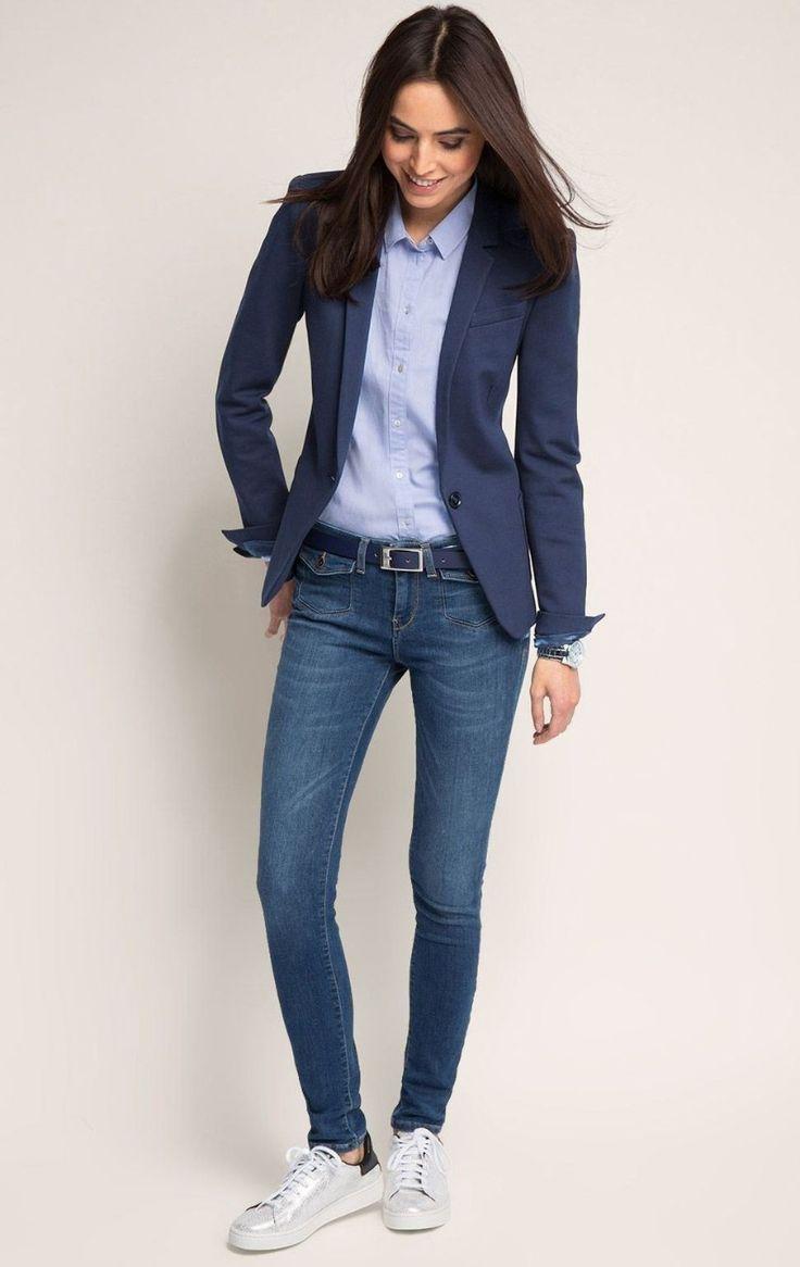 Lässige Kleidung für Süchtige / Blauer Blazer