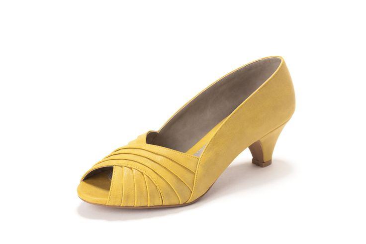 peeptoe pumps in gele oker