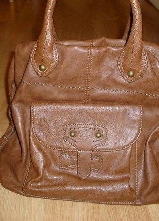 Kupuj mé předměty na #vinted http://www.vinted.cz/damske-tasky-a-batohy/kabelky/13952268-hneda-kabelka-s-malyma-usima