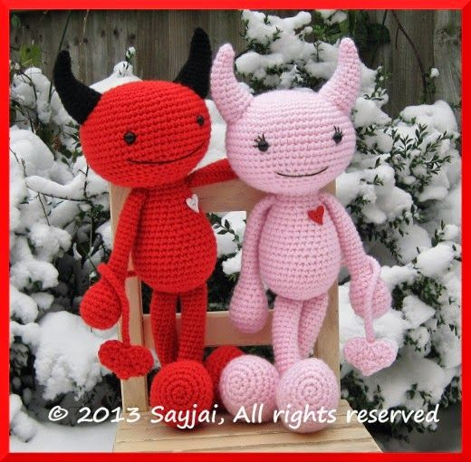Round 20 of feet for the Huggy Dolls ~ Amigurumi crochet patterns ~ K and J Dolls / K and J Publishing