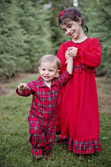 Comfy matching pjs for adults, boys, girls, baby and even dogs. Browse our collections!Hanna Andersson. Family Matching PJ's The family pj's that started it all, in legendary organic quality. Everyone in your family will love wearing their matching pajamas! Get your pair of the best pajamas ever and start your new family tradition.