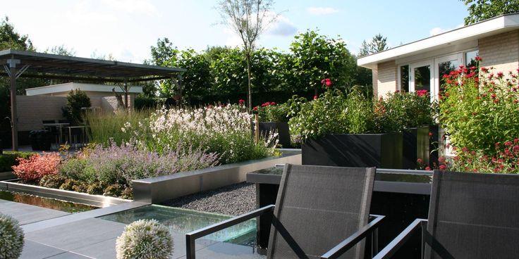 17 best images about onze topper uit waddinxveen wijsman hoveniers on pinterest tuin doors - Eigentijds pergola design ...