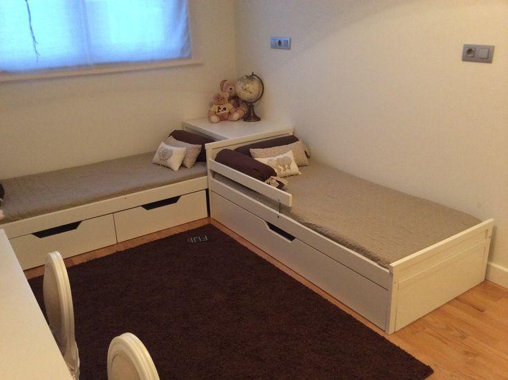 Cajones para juguetes y cama nido,hechos con la estructura de cama SNIGLAR de ikea