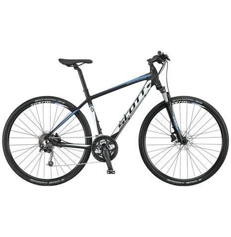 Scott Sportster 30 är en cykel som vill användas mycket. Hoj som trivs till och från jobbet, men som också gilar sköna träningsrundor på lite tuffare stigar.
