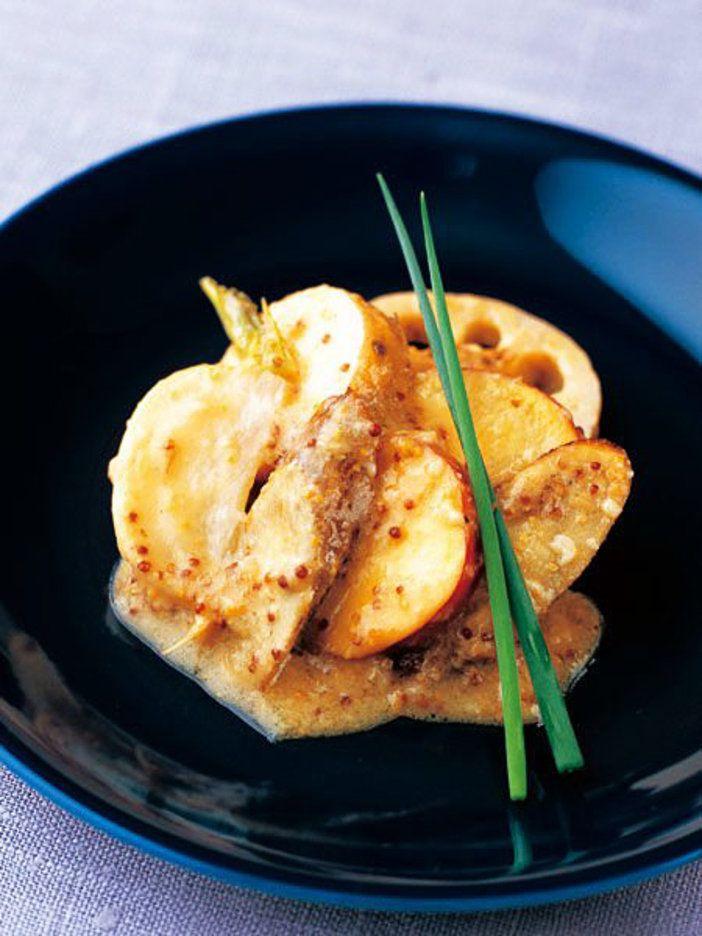 れんこん、ごぼう、長芋、さつまいも、かぶをオーブンでローストしてからマリネに。|『ELLE gourmet(エル・グルメ)』はおしゃれで簡単なレシピが満載!