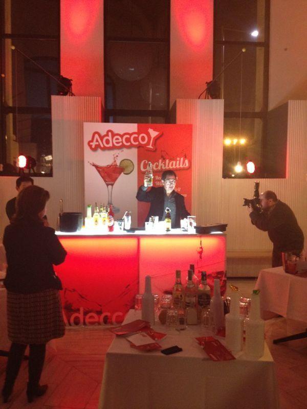 Acción de la agencia quidquid para Adecco, elaboración de cocktails. Diciembre 2012