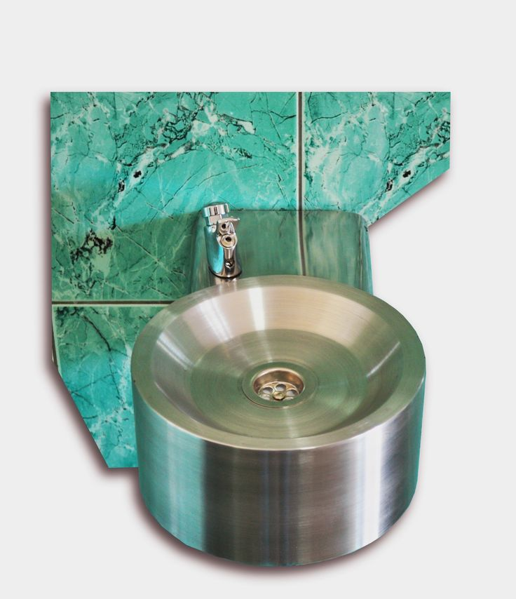 Wall mounted drinking fountain AX2